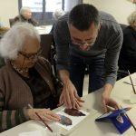 Fundación Bancaja realiza talleres de arte sobre Julio Romero de Torres en 30 residencias para personas mayores
