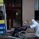 Uno de cada cuatro muertos por COVID-19 en España vivía en una residencia de ancianos