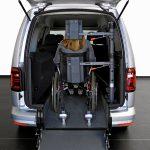 Rehatrans presenta los dos primeros modelos de taxi ecológico adaptado para personas con movilidad reducida